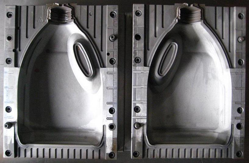 什么是大型中空吹塑模具加工?